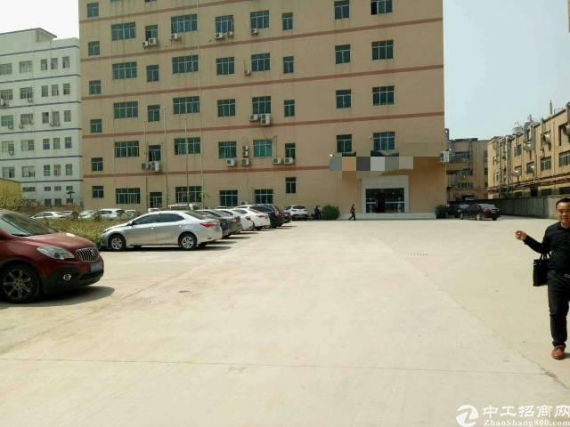 松岗松福大道边一楼6米高整层3600平米带装修