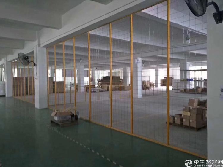 横岗楼上带地坪漆厂房1200平米出租