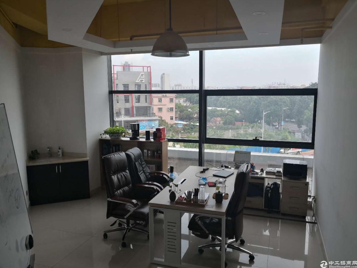 天安数码城精装修办公室招租,交通便利,价格最低