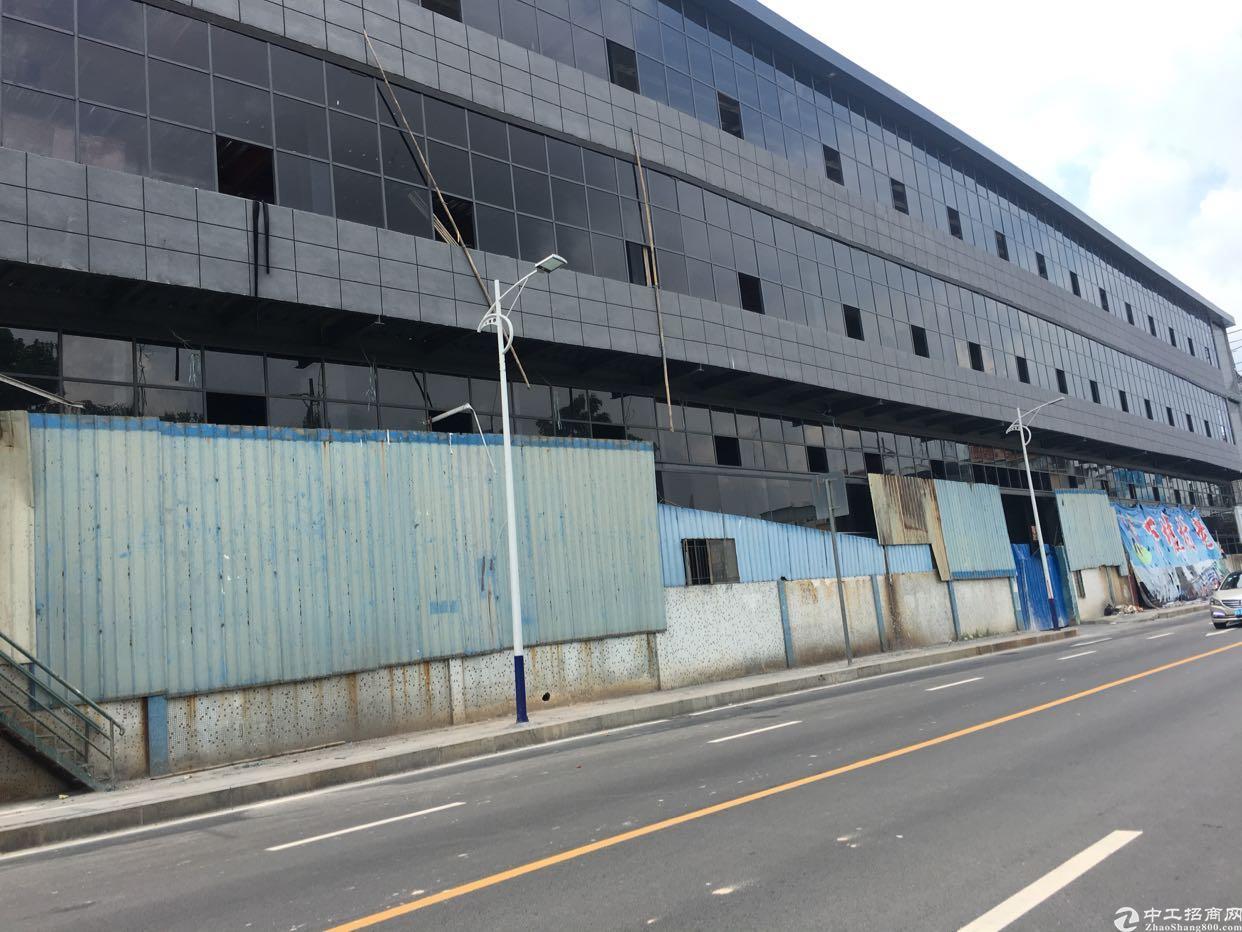全新厂房3层5800平方