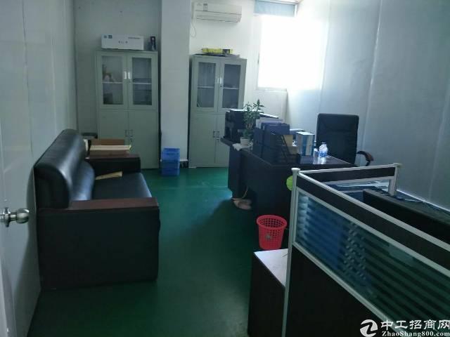 龙岗龙西原房东厂房二楼320平出租,带现成办公室