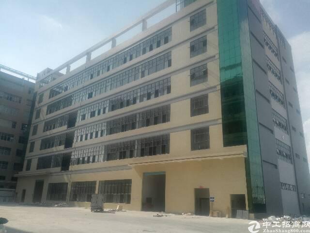 黄江镇靠深圳全新厂房5楼带喷淋整层出租