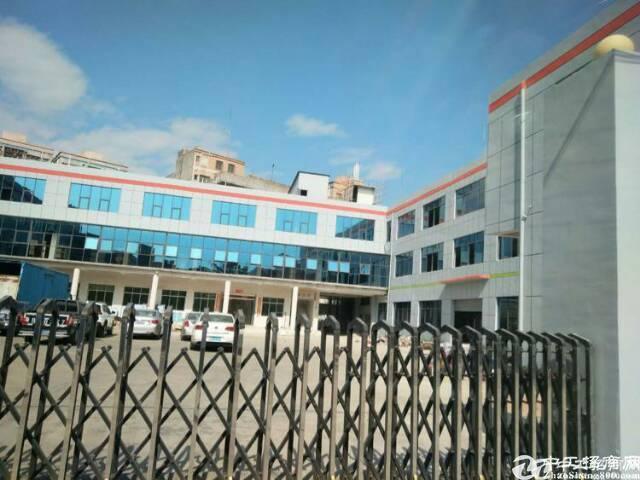 横岗228工业区一楼精装修厂房一楼1800平方出租大小可分