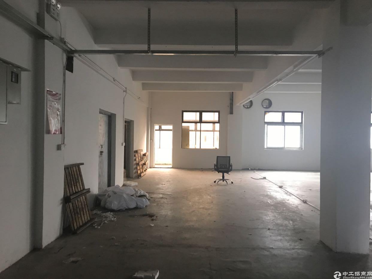 横岗地铁站附近189工业区楼上带装修19块出租!-图3