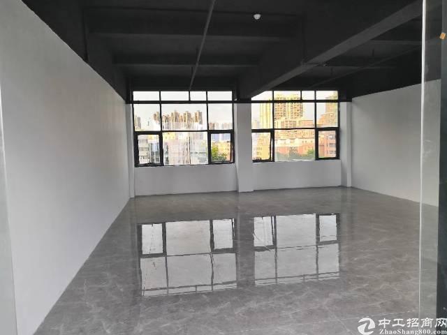 龙胜地铁口精装修办公室,100-1000大小可分