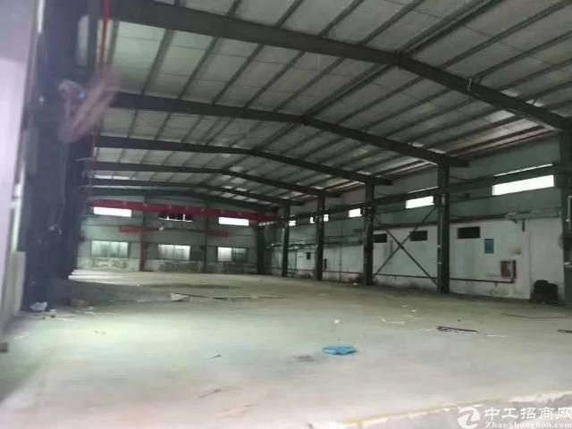 龙华清湖地铁口1500平8米高钢构出租