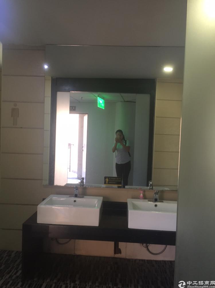 福永桥头东海百货楼上精装带隔间98平 面积实在