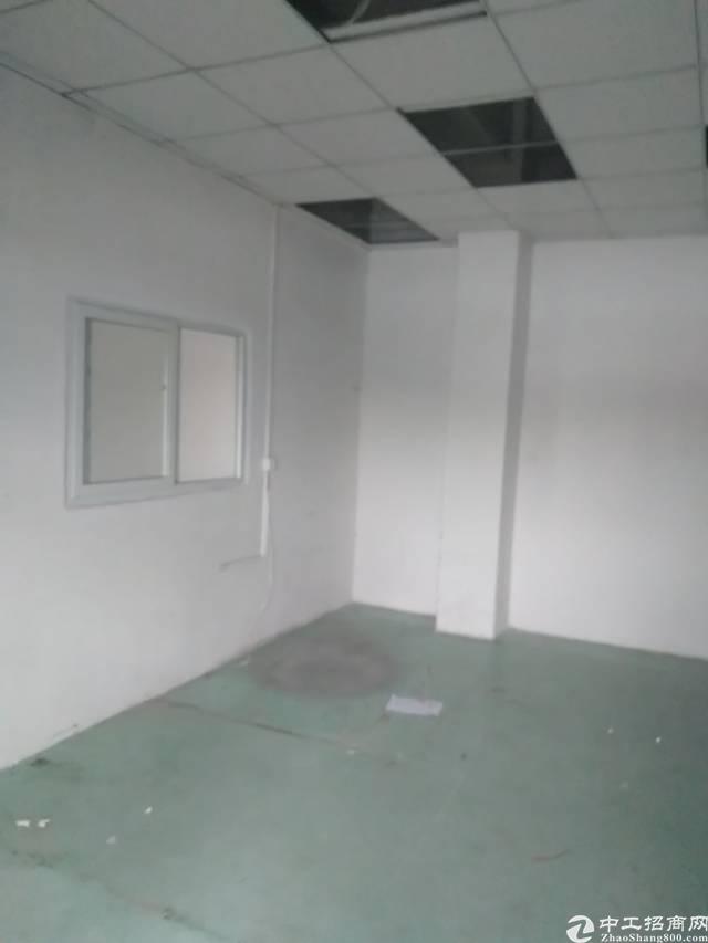 松岗山门新出楼上400㎡带装修厂房