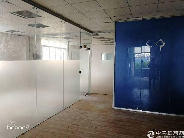 福永凤凰107国道边独门独院楼上402平方带装修