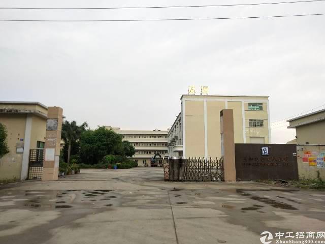 石湾9300平方楼房独院出租