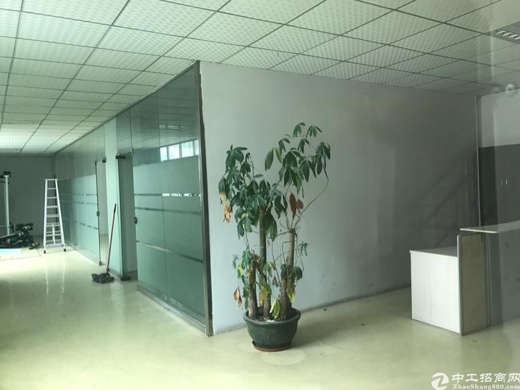 龙岗嶂背楼上整层1000平米招租