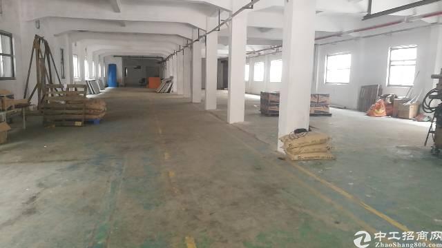 石碣新出 工业园标准厂房一楼1100㎡,租18元现成水电装修