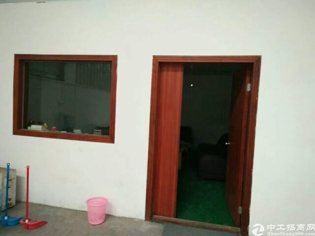 松岗带装修钢构厂房1500平米出租