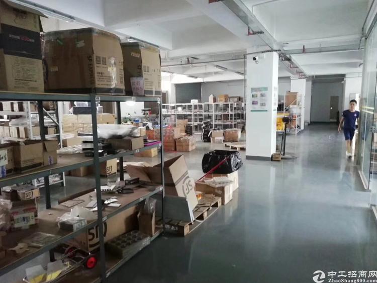 福永凤凰107国道旁、1600平米精装修厂房转租、公摊小