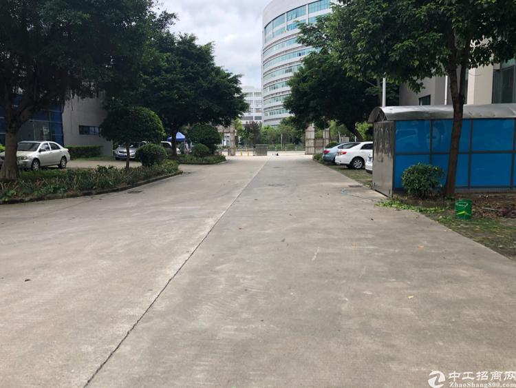 坪山大工业区原房东一楼2000平方重工业厂房出租
