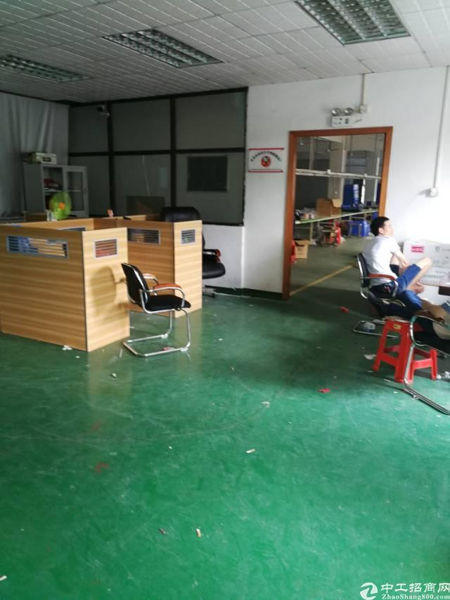 凤岗镇官井头新出带办公室精装修标准厂房3楼2000平
