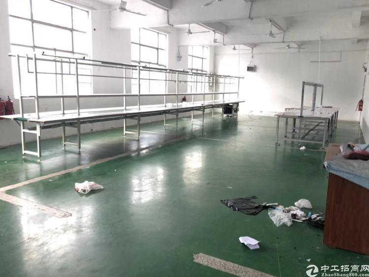 横岗六约地铁站附近楼上带地坪漆240平方出租