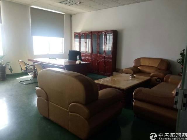 福永沿江高速边二楼1100平方带装修无需转让费