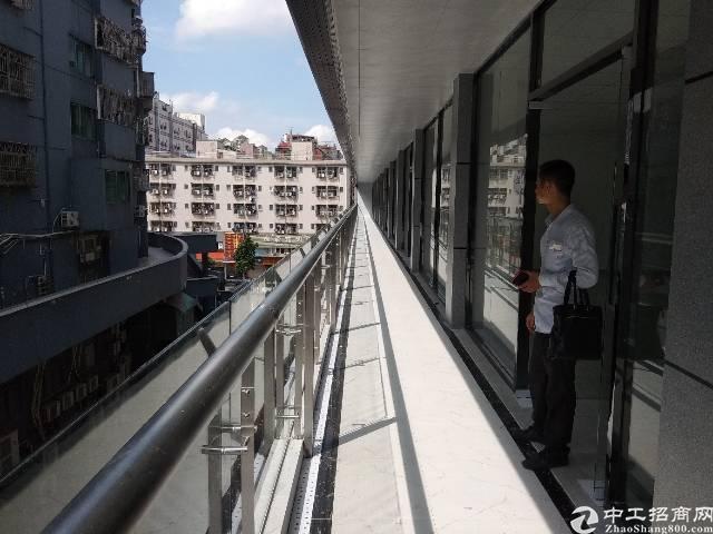 龙华地铁口办公厂房出租,面积最小50平起租。