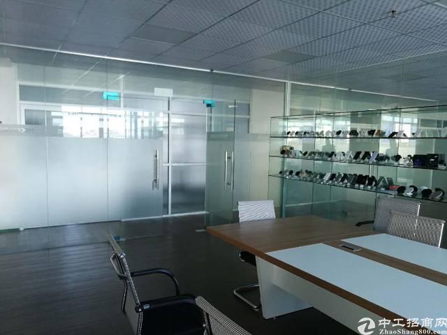 长安沿江高速出口处楼上精装厂房1500平