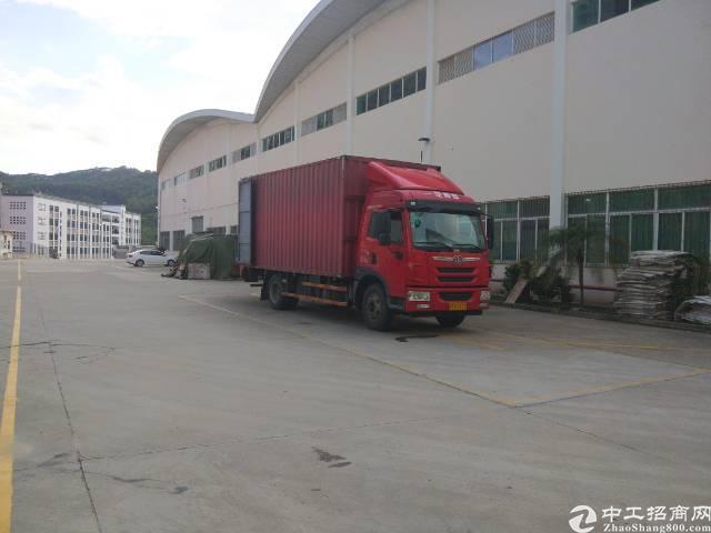 龙岗宝龙工业区新出独门独院30000平出租。