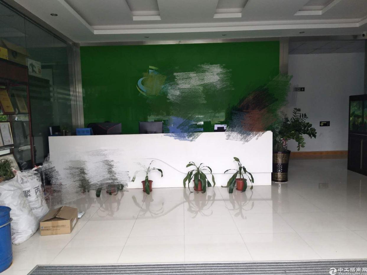 福永镇塘尾地铁出口附近带装修一楼1600平厂房招租