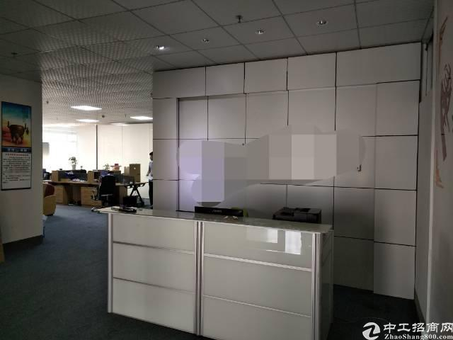 深圳沙井后亭地铁站附近新出带装修900平方厂房出租