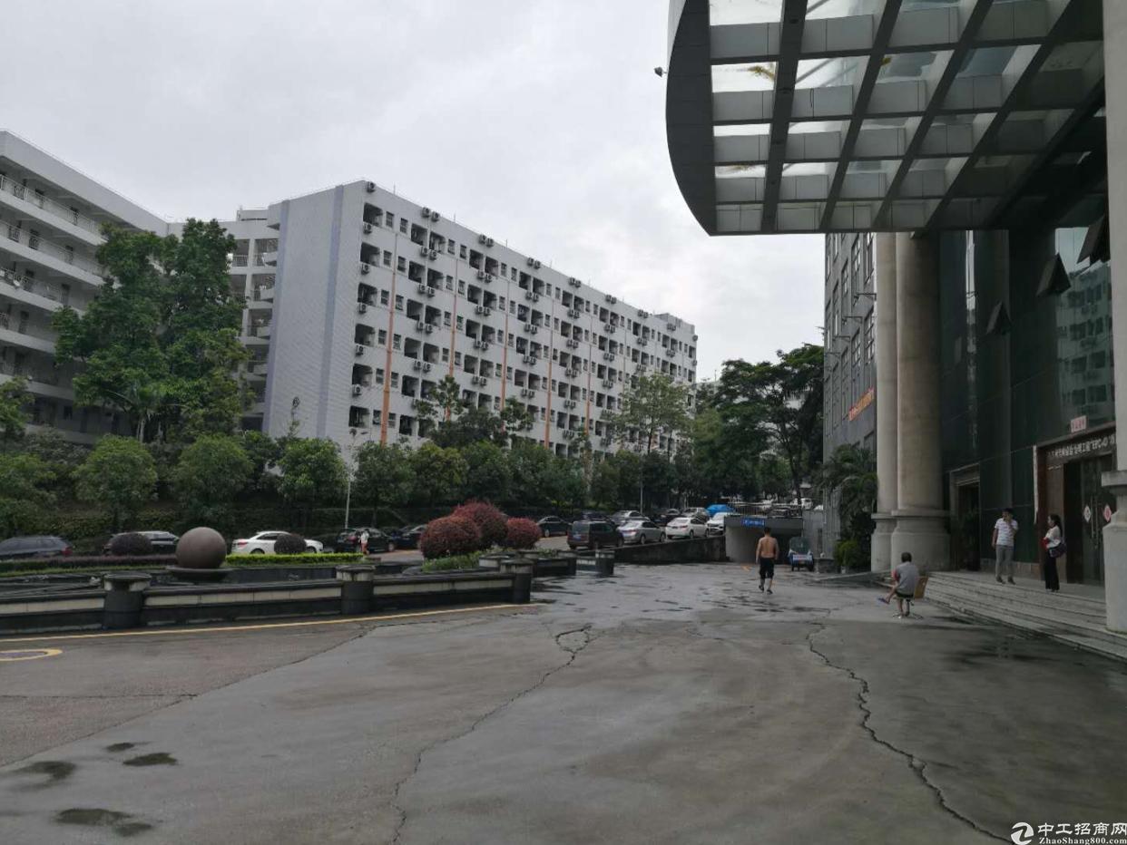 龙岗爱联原房东楼上800平厂房出租 带装修