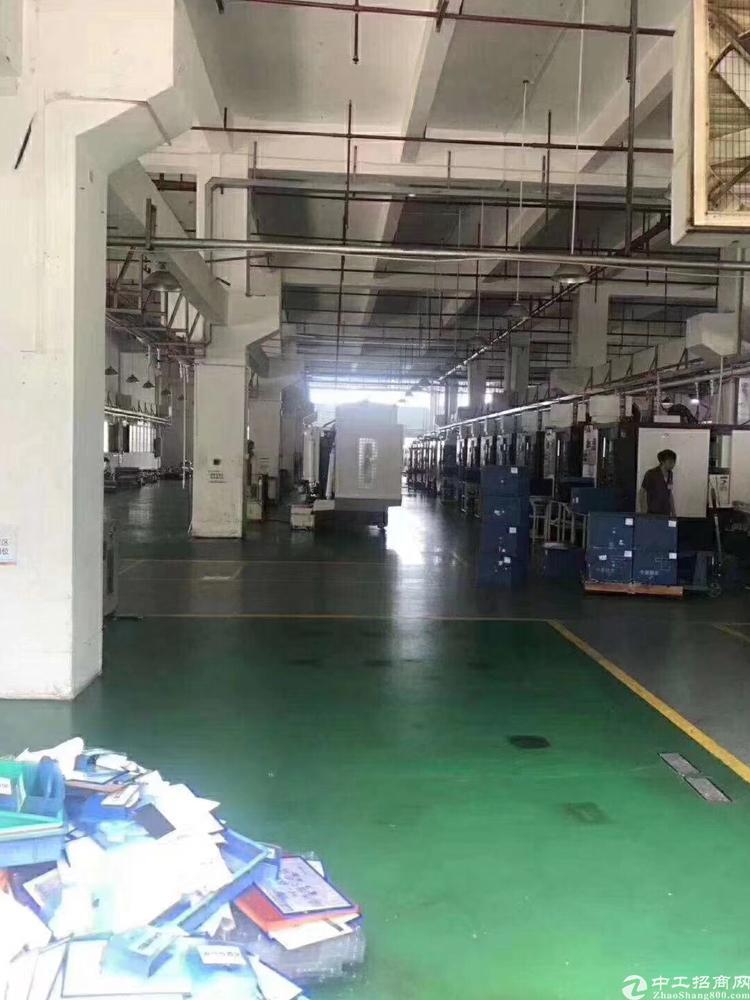 横岗228工业区一楼2600平米带装修出租