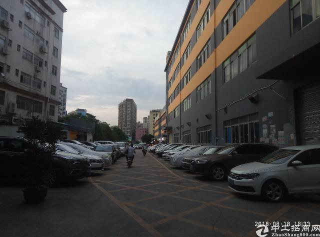 龙华龙胜地铁口新出楼上厂房2000平带办公带消防喷淋精装修