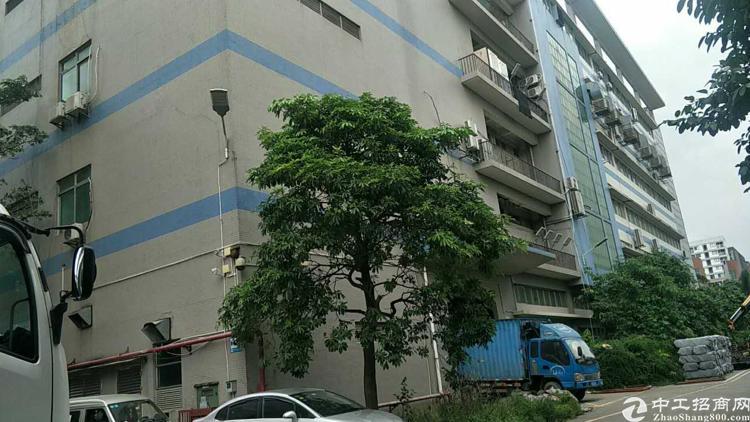 福永塘尾地铁口附近新出楼上二千平方厂房出租