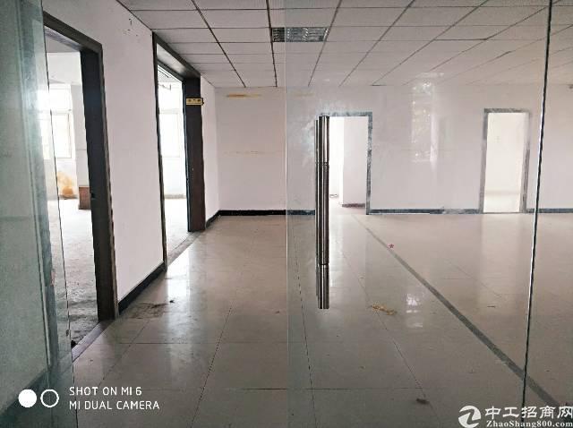 长安镇宵边楼上整层860平 水电齐全