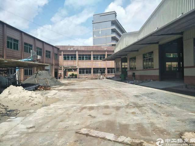 龙岗坪地钢构厂房3950平方出租