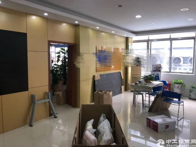 福永地铁口新出楼上700平方豪华装修厂房出租