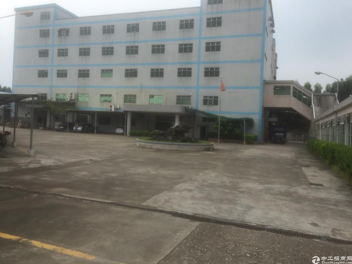 石岩洲石路工业区新出独栋9000平标准厂房出租