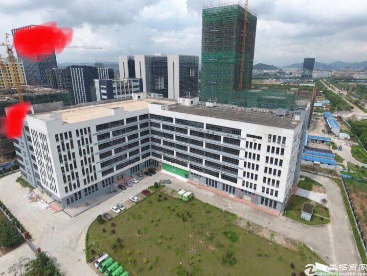公明高新园区新出楼上整层带装修4166平厂房招租