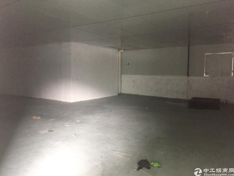 清溪新出带办公室的仓库1000平米