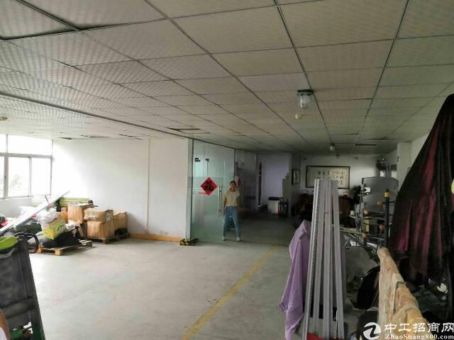 坪山大工业区(保税区外)标准厂房带装修260平,报价22。