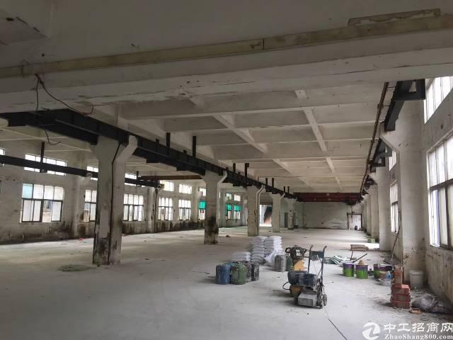 砖墙到顶带卸货平台,不限行业,13000钢结构