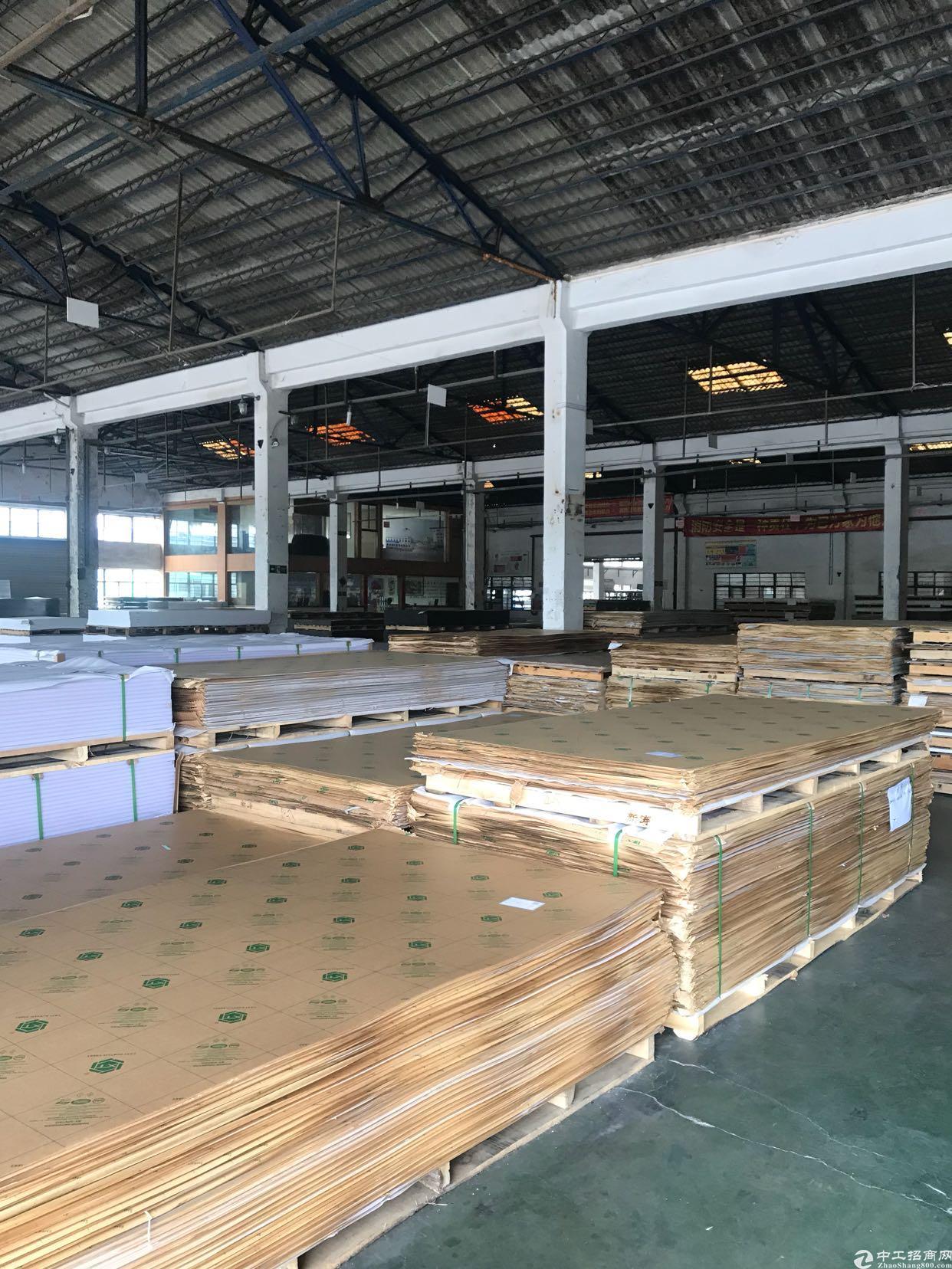 坂田华路边新出钢构一楼1500平方适合各行业