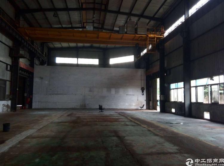石岩爱群路同富裕工业区钢构厂房6000平米