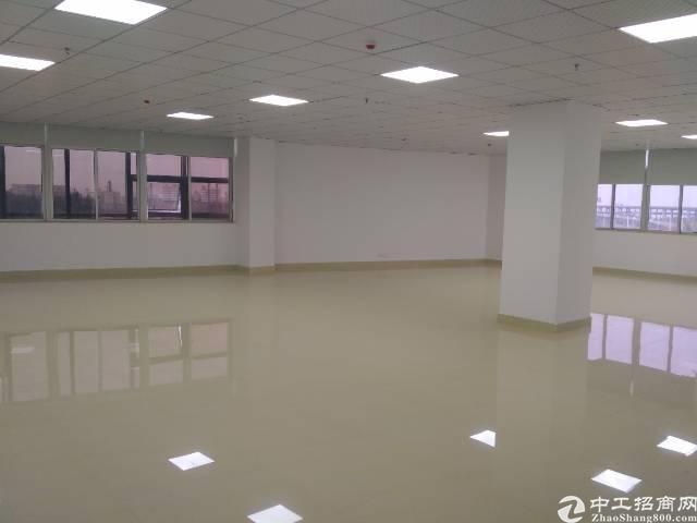 福永沿江高速口楼上2-600㎡精装修写字楼出租