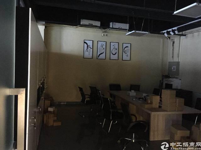 西乡固戍107国道边新出3500平厂房出租,大小面积可分租
