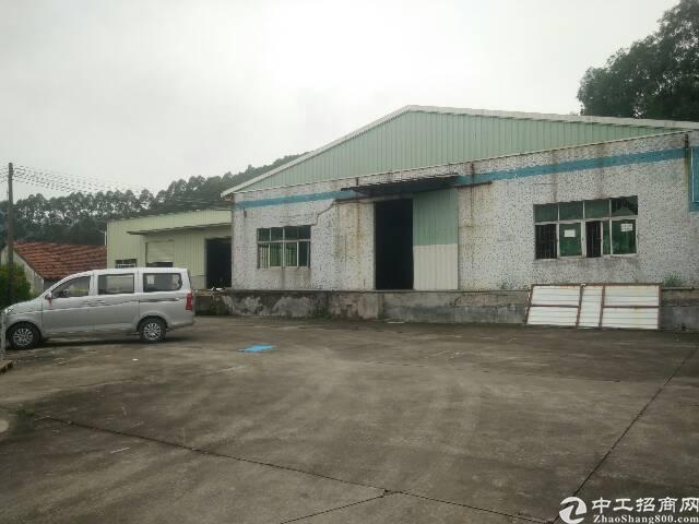 紧邻深圳单一层,位置偏僻