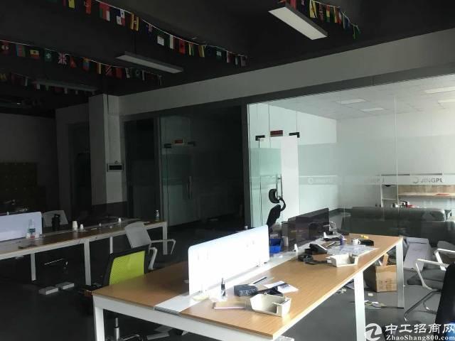 福永宝安大道标准厂房实际面积680平方带装修出租