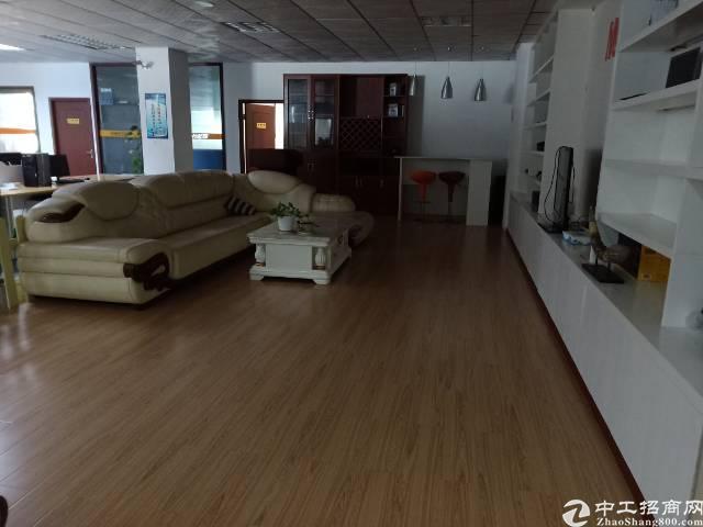 固戍宝安大道附近庄边工业区5楼1500平精装修