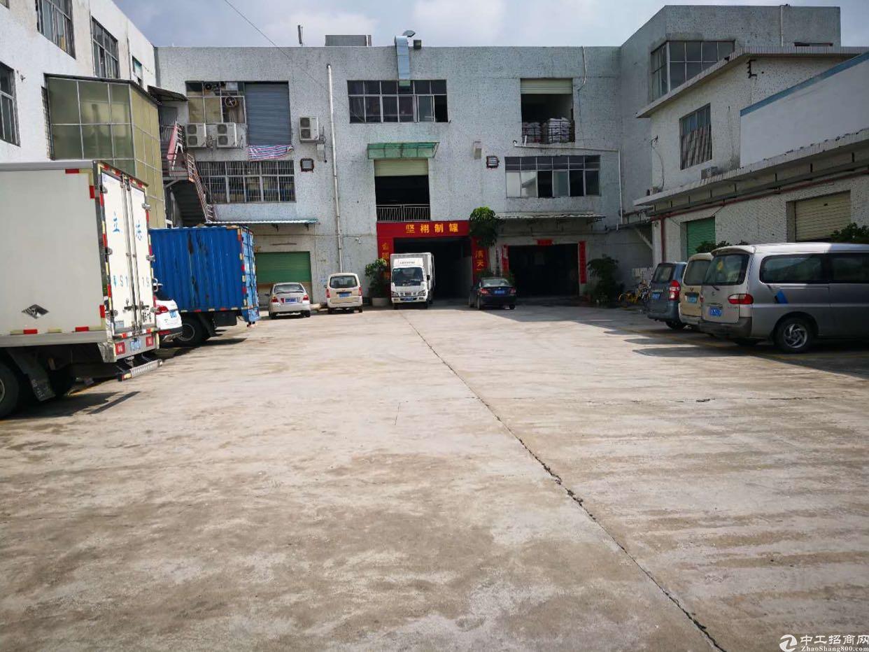 万江新出工业厂房二楼出租,大马路边好招工,有地坪漆办公室装修