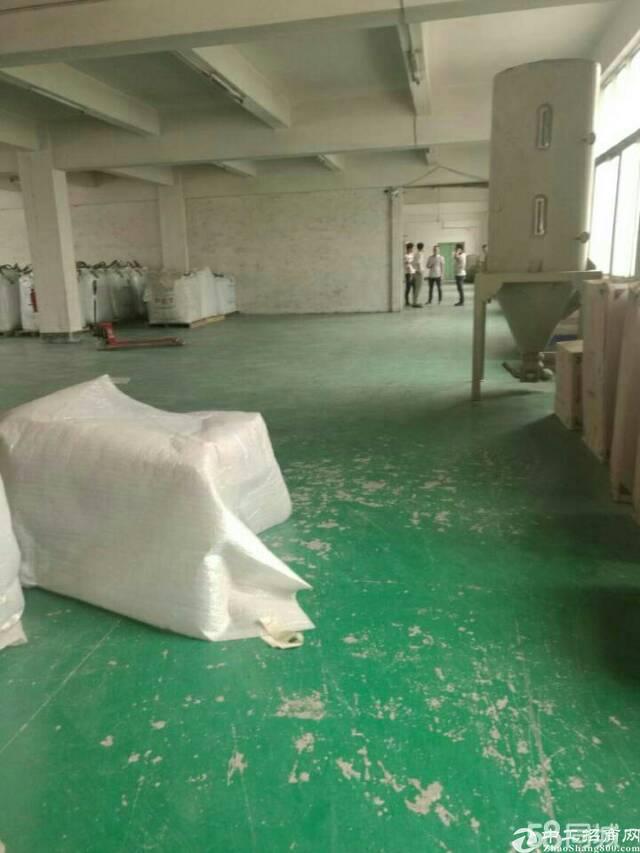 平湖辅城坳工业区二楼厂房出租600平米,合同期长,价格便宜