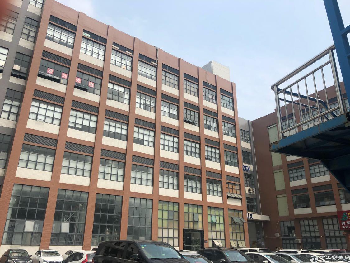 福永沿江高速口边上楼上新出1000平带精装修厂房