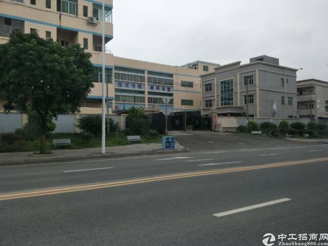 大朗镇靠松山湖新出楼上1200平方厂房